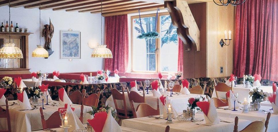 Alpenhotel Kramerwirt, Mayrhofen, Austria - Restaurant interior.jpg